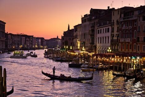 111109_Venice_Rialto_sunset_gondola_romantic_377-2