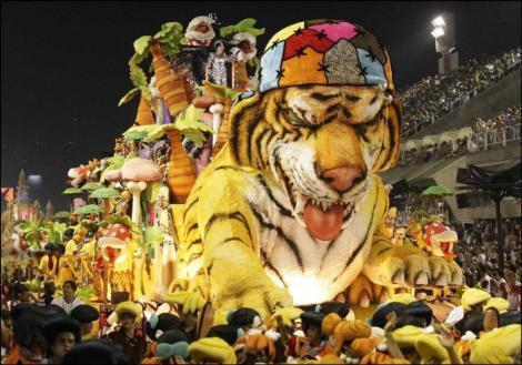 03p-carnival-2011-carnaval-do-rio-de-janeiro-rio-de-janeiro-state-of-rio-de-janeiro-brz