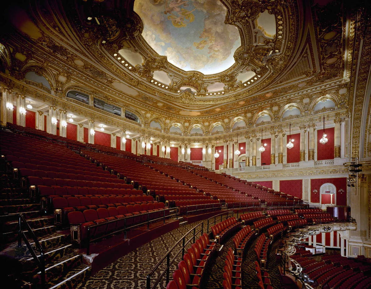 Most famous and beautiful opera houses in the world for Orchestra house