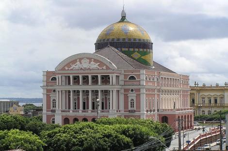 teatro amazonas esterno