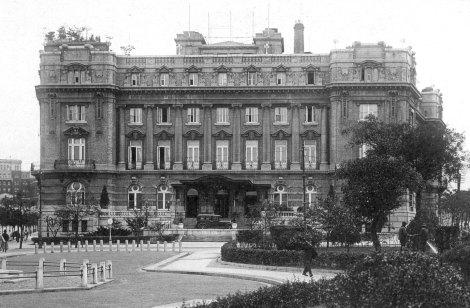 Yamato_Hotel_Dairen_2 commons.wikimedia.org