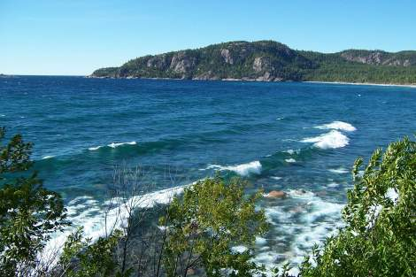 lake_superior_agawa_rock_in_ontario_canada4